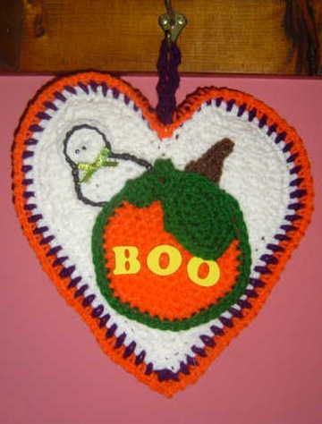HALLOWEEN PUMPKIN CROCHET HEART