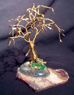 Gold Oak with Leaves, wire tree sculpture