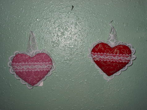 Small Lace Hearts