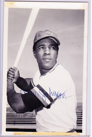 baseball collector card signed  SIGNED PHOTO CARD in fine condition