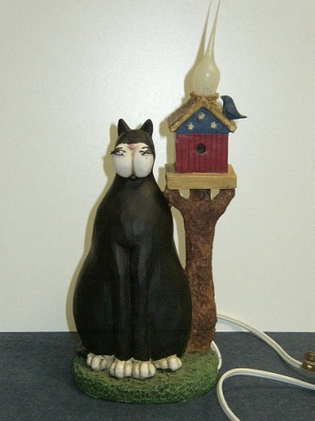 Colonial Tin Works Cat Light Decor