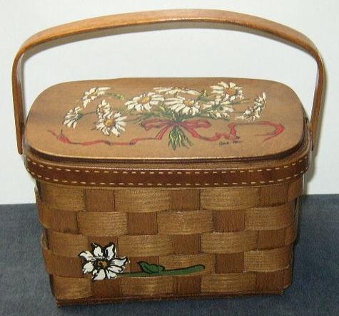 Vintage 70's Caro Nan Wooden Basket Purse - Daisies