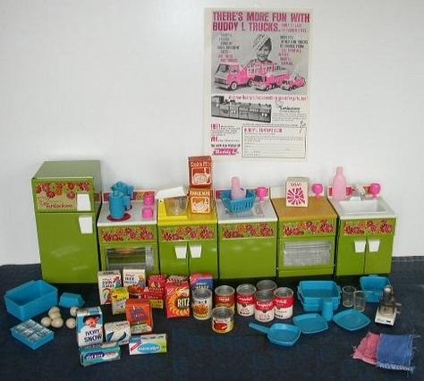 Vintage Buddy L Miniature Kitchen Appliances, Accessories & Advertisement