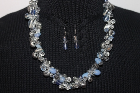blue-clear-crystal-glass-beads-necklace-set