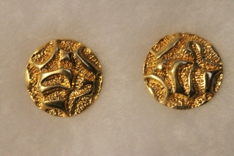 Vintage-Avon-Goldtone-Textured-Earrings