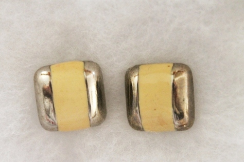 Vintage-Avon-Enamel-Square-Pierced-Earrings-Silvertone