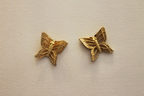 Vintage-Avon-Butterfly-Goldtone-Stud-Earrings