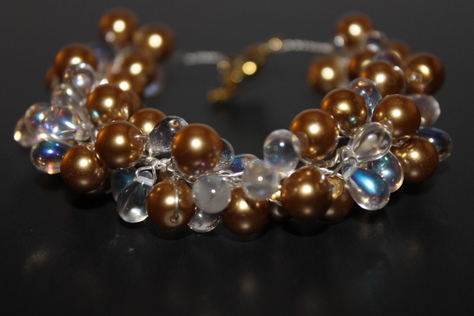 handcrated-gold-glass-clear-crystal-beads-nontarnish-silver-wire