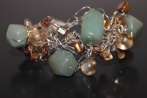 handcrafted-pale-aqua-green-amazonrite-mother-of-pearl-bracelet