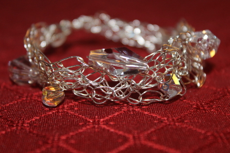 handcrafted-Swarovskic-crystal-silver-wire-bracelet
