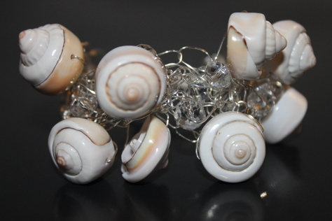 handcrafted-sea-shells-silver-wire-bracelet