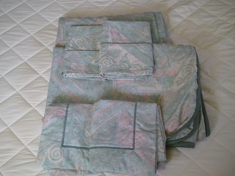 queen duvet cover & fitted sheet, shams, pillow cases