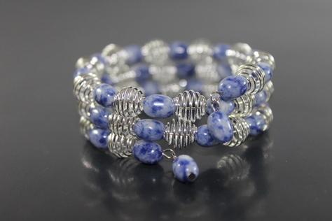 Handcrafted-Dumortierite-Quartz-silvertone-beads-memory-wire
