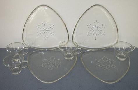 Snowflake Design Snack Set