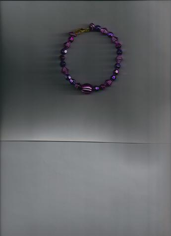 Beautiful, Lightweight, Comfortable Magenta, Purple Metallic 6-inch, gold-plated clasp, & wire bracelet! MAKES A BEAUTIFUL GIFT!