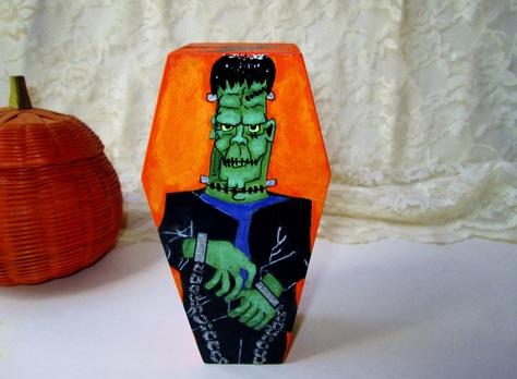 Frankenstein coffin box front view