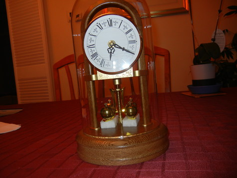 A brand new rotating pendulum clock