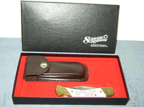 1980s Schrade Scrimshaw Knives - Lock Back