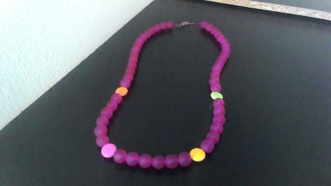 Red Violet, Colorful Beaded 18 inch vintage clasp necklace.
