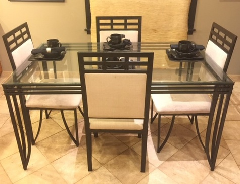 5-piece Kitchen/Dining Table with Black 4-piece place set