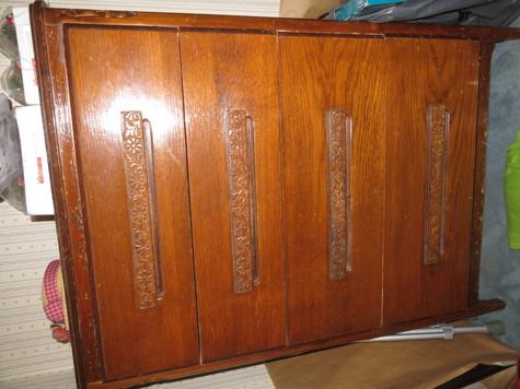 Dresser 1