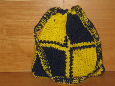 Corner Square Purse 1 soft navy blue and yellow