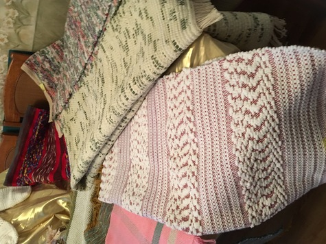 various lenght woven rugs