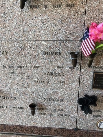 Cemetery niche