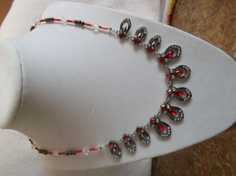 N 949 Silver Glass Bead Necklace