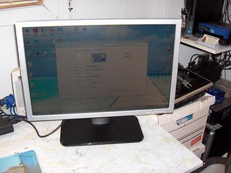 Used Dell SE198WFPf 19-inch Widescreen monitor