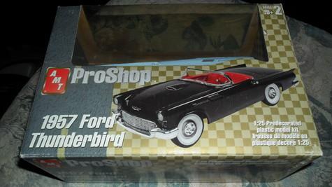 model of 1957 FORD  THUNDERBIRD model kit