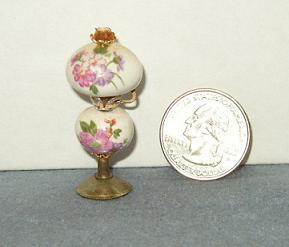 Rose Rose Nell Globe Lamp