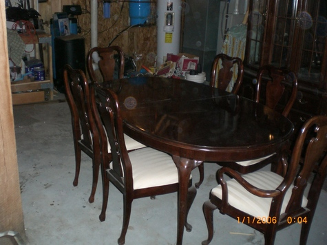 chairs/table