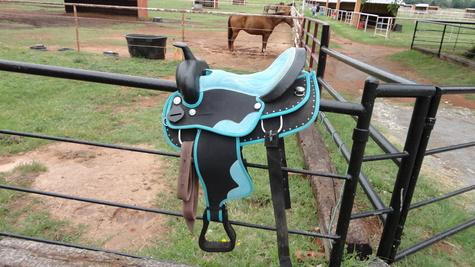 synthetic saddle