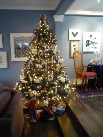 Stunning 7' Christmas Tree