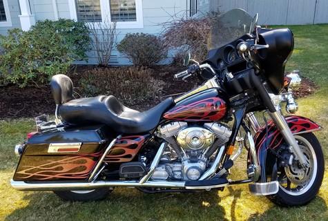 2006 Harley Davidson Side View