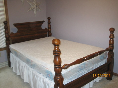 4 poster bed with mattress set